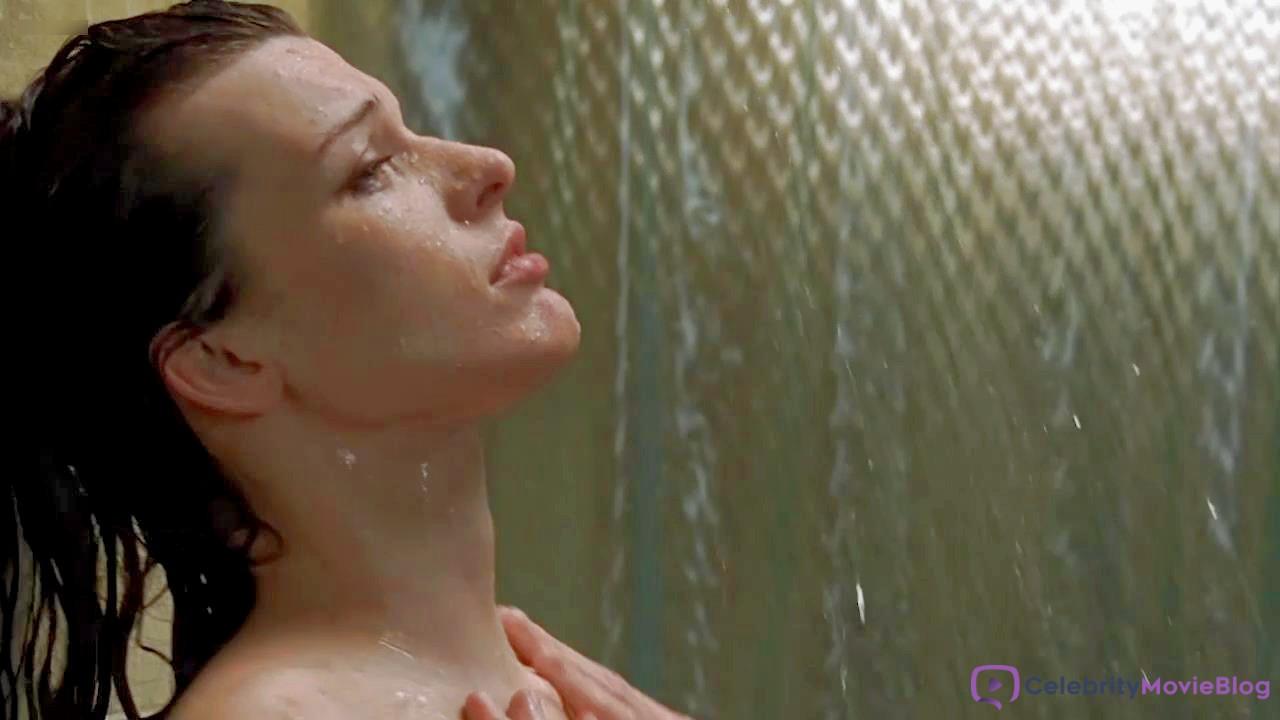 Milla jovovich topless